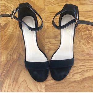 💎🆕Lucite Heeled sandals